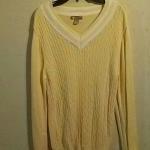 Sweaters - V-neck sweater